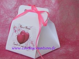 Bonbonnières de dragées mariage blanches avec rubans - Maine et Loire